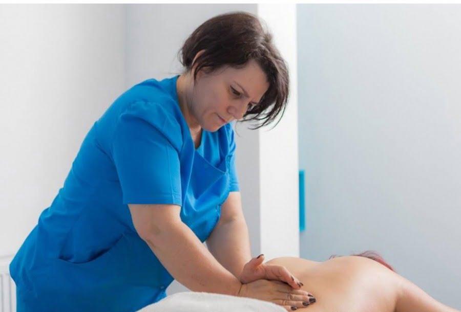 """Tatiana Vrabie: """"Durerea de spate din zona lombară este provocată, de cele mai multe ori, de problemele intestinului gros""""."""